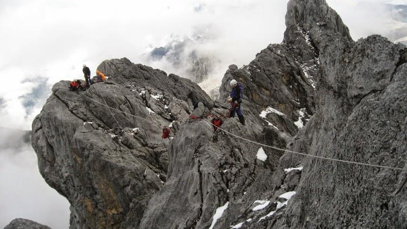 sumber : rainieradventure.blogspot.com